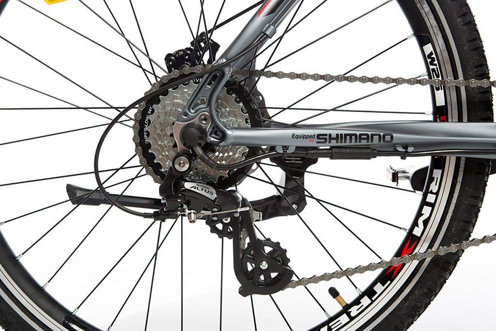 bicicleta eléctrica con frenos de disco