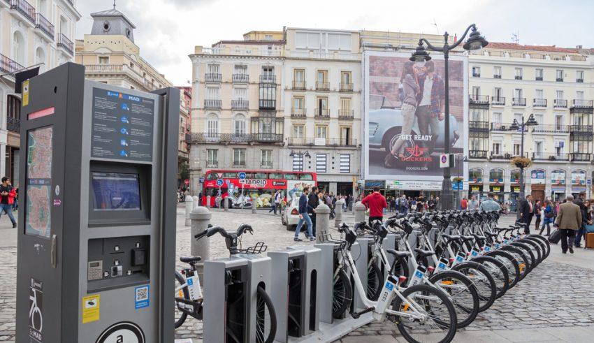 Estación o Tótem de biciMAD, bicicletas eléctricas en la ciudad de Madrid